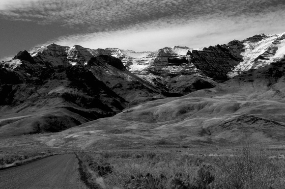 THE GREAT STEENS MT EASTFRONT...